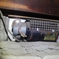 床下換気扇の取り換え。その家に合った適正なプランで費用削減。のサムネイル