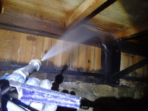 山口市天花の白蟻予防工事です。のサムネイル