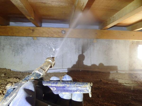 下松市潮音町ににて借家の予防工事です。のサムネイル