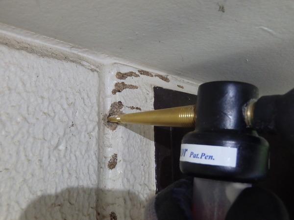 防府市岩畠にてイエシロアリ駆除。粉剤で全て駆除し、最後に全体の処理をする2段構え。のサムネイル