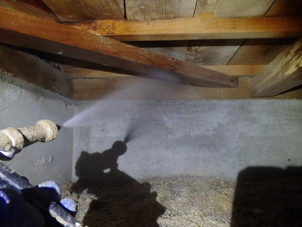 防府市田島にて白蟻予防工事。のサムネイル