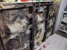 周南市皿山にて白蟻駆除工事。水漏れから発覚した被害。