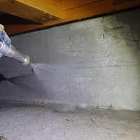 山口市小郡新町にて白蟻予防工事。のサムネイル