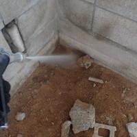 防府市西浦にて浴室・脱衣所のリフォーム時に白蟻予防。のサムネイル
