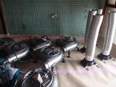 山口市朝田にて床下換気扇工事。広いお宅に無駄なく十分に効果が出るように。