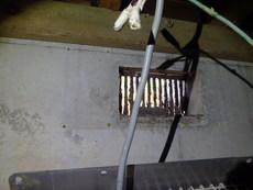 山口市吉敷中尾にて白蟻予防工事。もう何度もリピート契約いただいているお宅です。