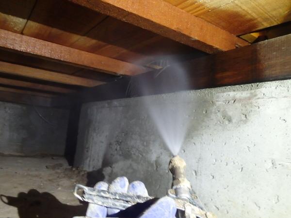 熊毛郡平生町尾国にて白蟻予防工事。上関の手前ですね。のサムネイル