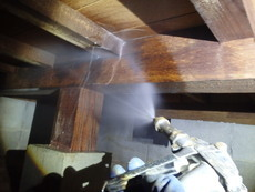 山口市鋳銭司にて白蟻予防工事。現在空き家ですが今後の事を考えて現状で予防を。