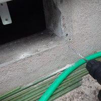 防府市新田にて床下換気扇取替工事。故障で騒音がした機械の撤去。のサムネイル