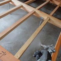 防府市新田にて、改築部の白蟻防除工事。このタイミングでの処置ができるかできないかで結果が変わります。のサムネイル