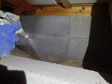 下関市綾羅木本町にて白蟻予防工事。倉庫には被害が。