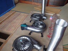 防府市華城中央にて、床下換気扇工事。撤去と増設でより良い床下環境を実現(^^)