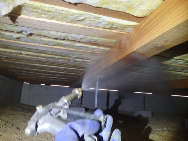 宇部市中宇部にて白蟻予防工事。定期処理で安心。のサムネイル