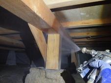 防府市東三田尻にて中古住宅改築中に白蟻防除工事。完成後とにかく安心を。