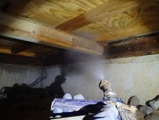 山口市徳地島地にて白蟻予防工事。ヤマトシロアリ駆除後、初めての予防。
