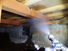 防府市江泊にて白蟻予防工事。