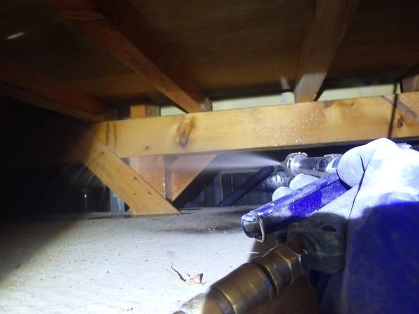 防府市栄町にて白蟻予防工事。以前ヤマトシロアリ被害があり、駆除後リピートでご依頼をいただきました。のサムネイル