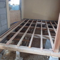 萩市椿東にて改築中の住宅の白蟻予防工事。のサムネイル