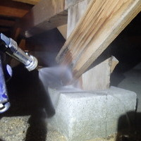 防府市岸津にて中古住宅の白蟻予防工事。これで安心!!のサムネイル