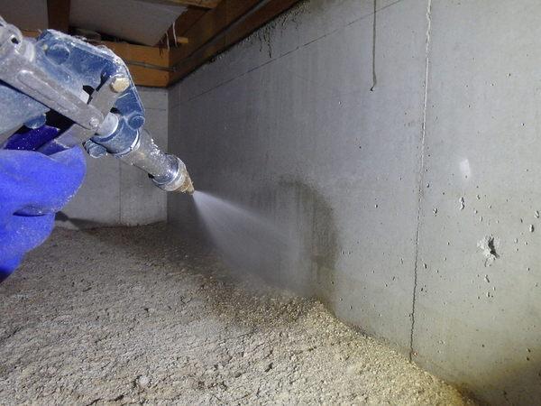 防府市上右田にて定期的に白蟻予防工事。のサムネイル