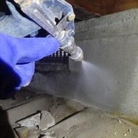 周南市花陽にて白蟻工事。ベランダの被害発覚からの施工です。のサムネイル